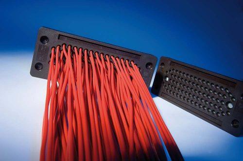 KDP_EN_RA_24_80 cu 80 cabluri intrate prin treceri