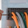 Prezentare generala treceri modulare cabluri mici mari in tablouri panouri dulapuri metalice Instalare montaj rapid fara unelte speciale Pret avantajos
